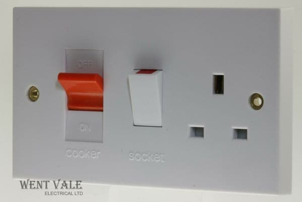 Newlec White Moulded - NL8350 - 45a Double Pole Cooker Control with 13A Socket